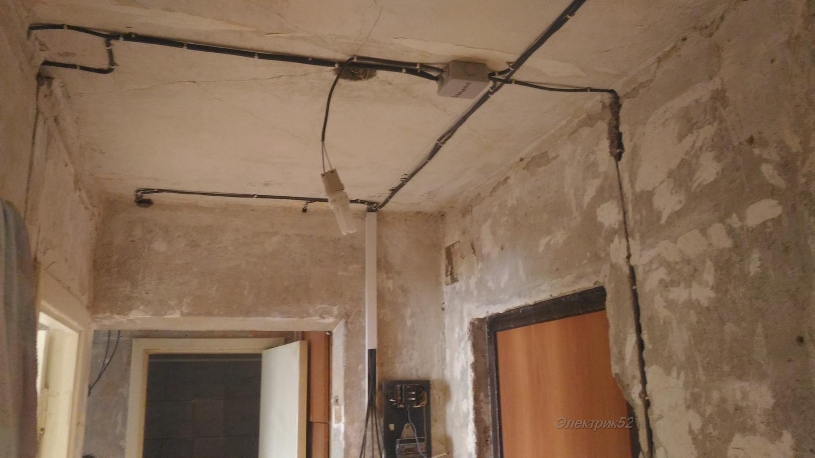 Проводка по потолку в квартире: как провести своими руками