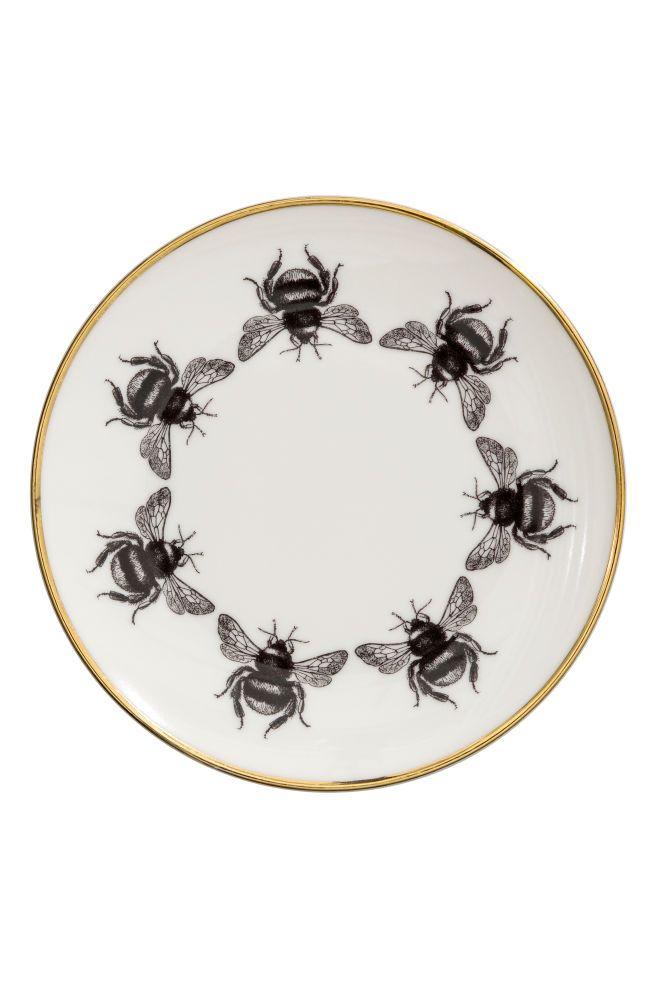 Пчёлы, которые не укусят, или как сделать пчёл и улей из пластиковых бутылок