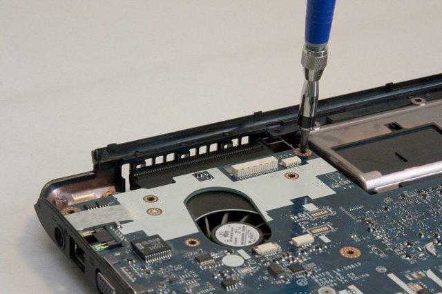 Как почистить ноутбук от пыли в домашних условиях?блог ильдара мухутдинова